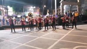 Realizan multitudinaria celebración religiosa en Chimalpa a pesar de reestricciones por Covid-19