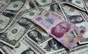 Dólar se mantiene debajo de las 20 unidades; peso acumula avance semanal de 16 centavos