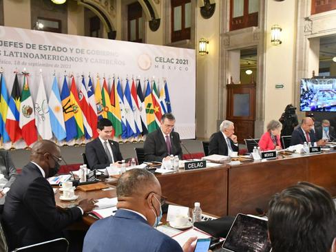 Pide CELAC democratizar y ampliar producción de vacunas contra Covid-19