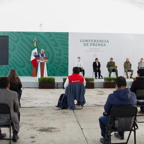 Evalúa Federación obras de infraestructura en Oaxaca