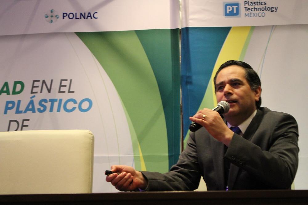 Presidente de la Sección de Recicladores de la Asociación Nacional de la Industria del Plástico (ANIPAC), Eduardo Martínez