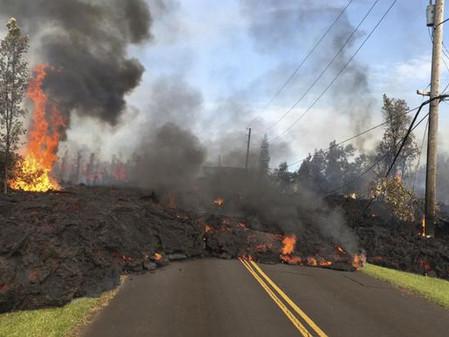 Volcán Kilauea destruye 26 casas