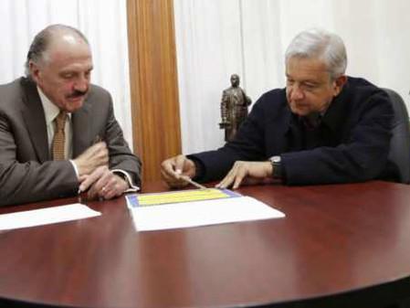 Riobóo hace campaña a favor de AMLO, acusa Anaya