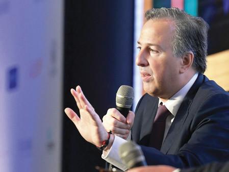 """""""López Obrador lleva 18 años haciendo turismo político"""": Meade"""