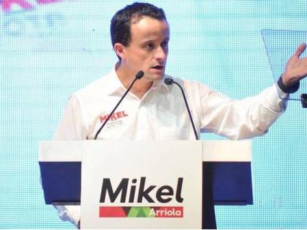 Mikel Arriola propone eliminar fotomultas y colocación de arañas