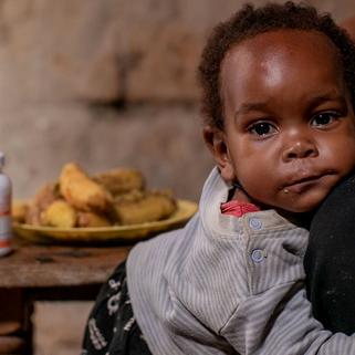 Alerta ONUSIDA: Casi la mitad de los niños con VIH no tiene acceso a tratamiento