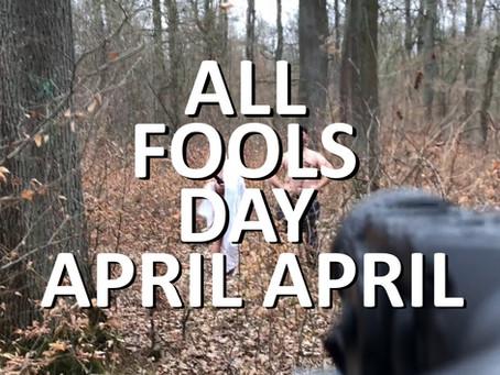 April, April! Es gibt kein Nacktsichtgerät....