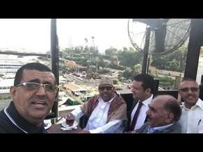 مشهد للوزير الراحل حسن اللوزي يغني مع أيوب طارش في القاهرة