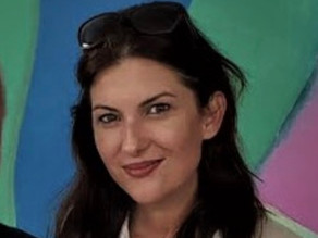 فاطمة رضا.. عربية أميركية تثير الجدل بكتاباتها في السوشال ميديا