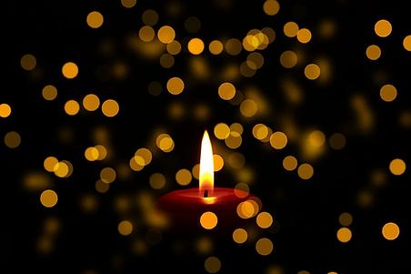 mourning-3064504_960_720.webp