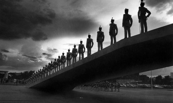 Last change of guard under dictatorship in Brazil, 1985
