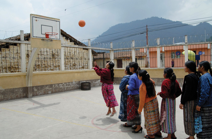 Exhibition and online resource for War on Want and local NGOs on Maya first nation migrant domestic workers in Guatemala