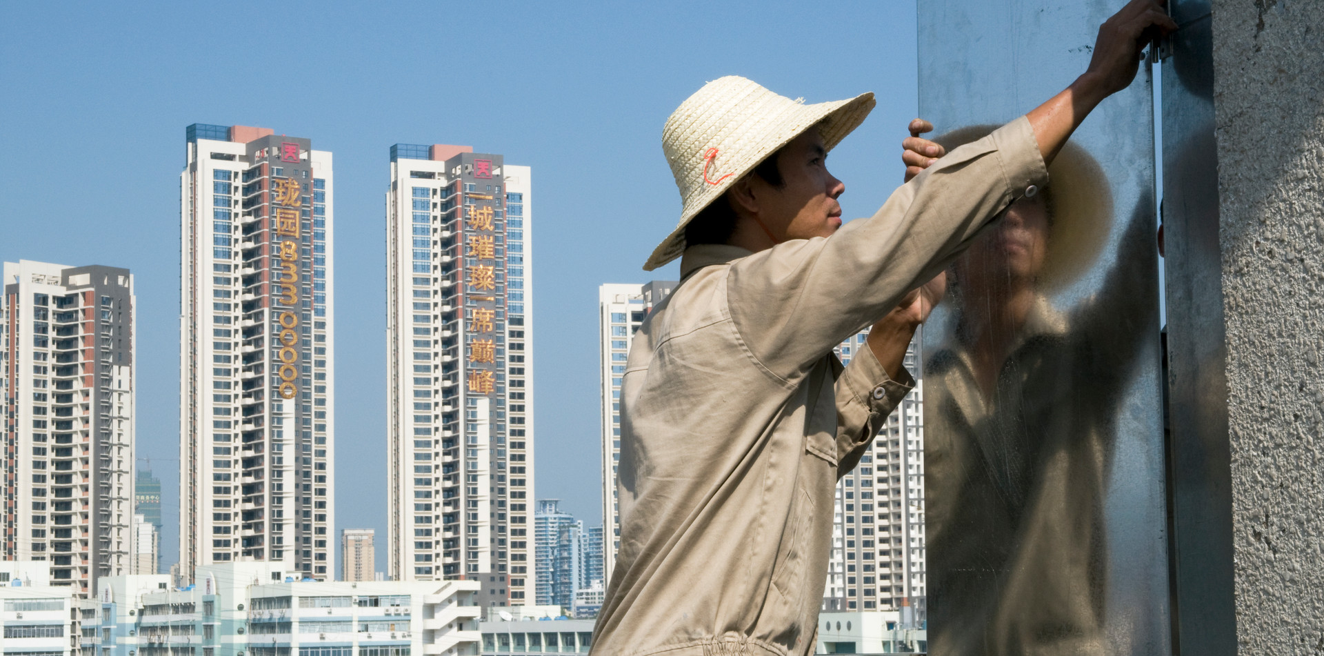 Construction boom in southern China puts great pressure on natural resources
