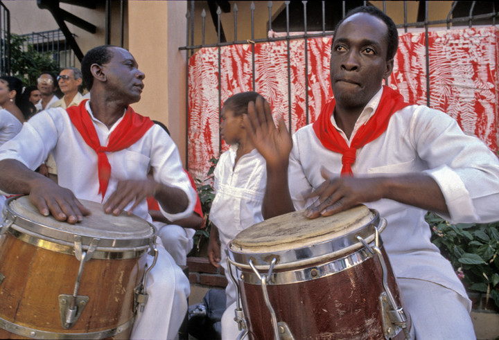 Cuban drummers playing in Havana
