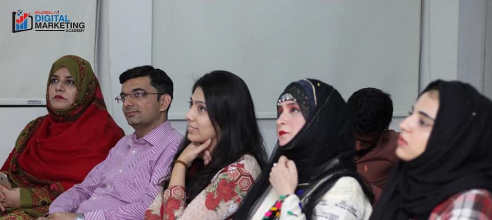 Students Eureka Digital Marketing Course in Karachi