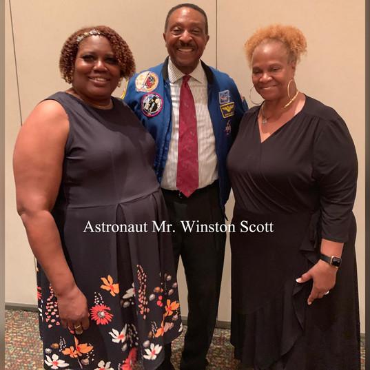 Carshonda, Astronaut Winston Scott, Sonya