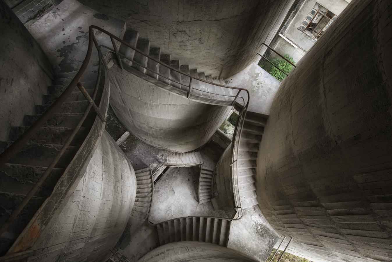 greyzy stairs