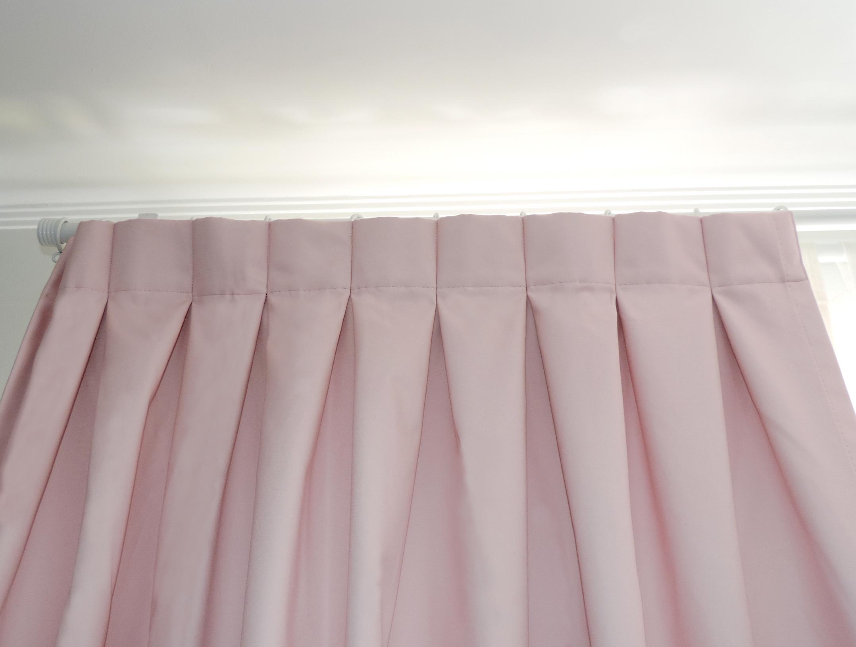 cortina blackout rosada