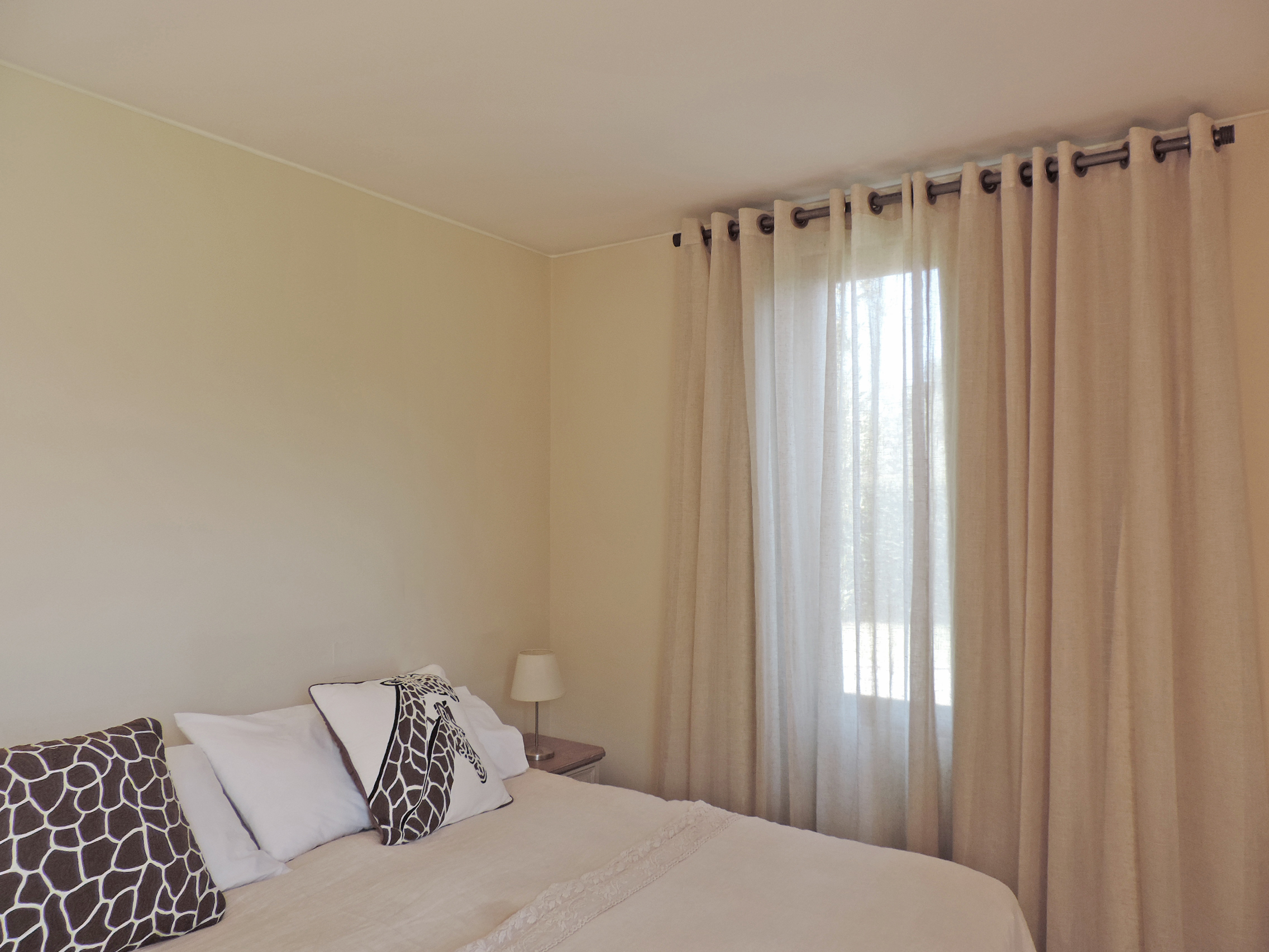 cortina gasa ojales