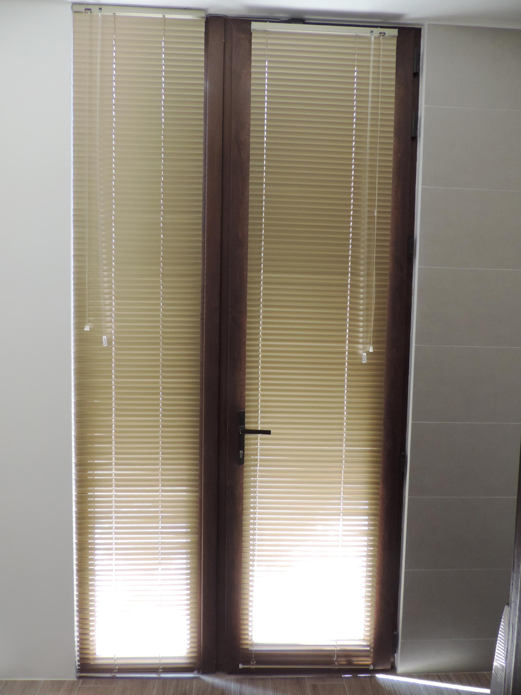 persiana dorada