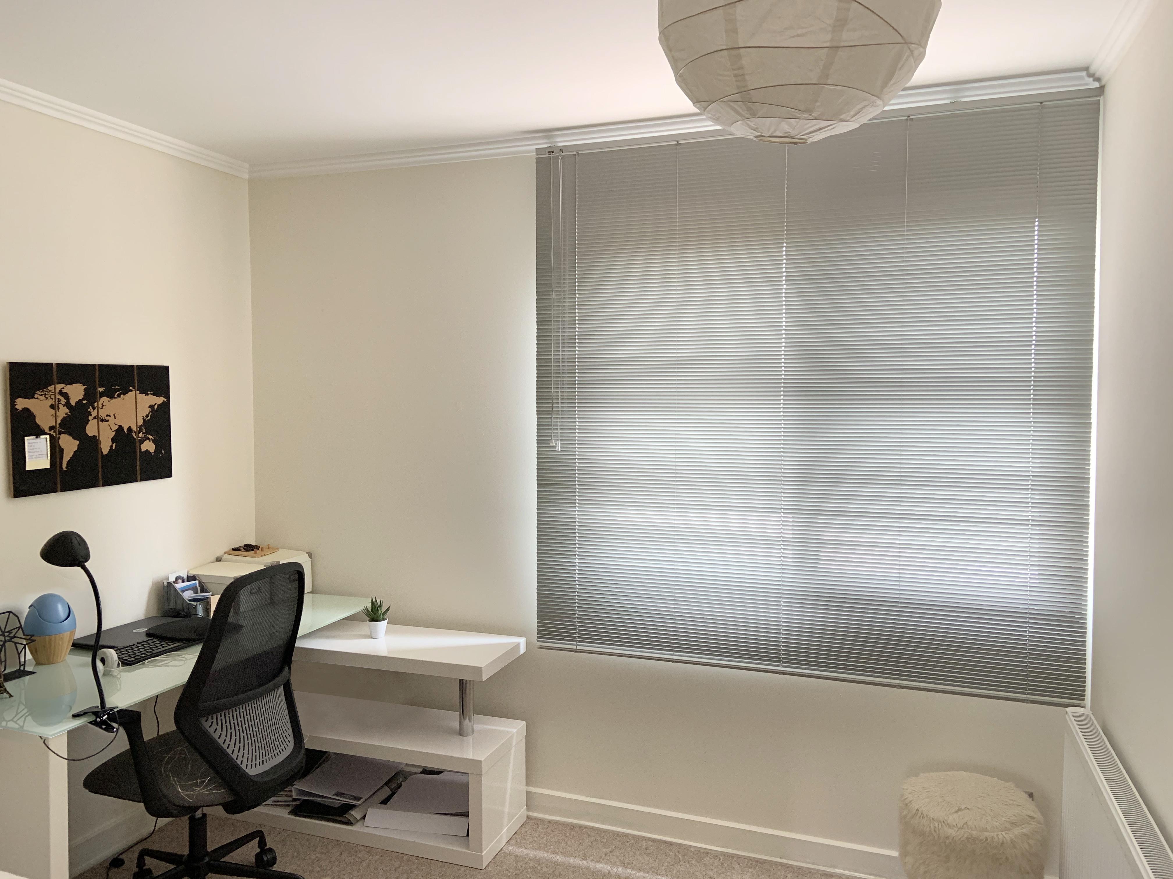 persiana gris clara