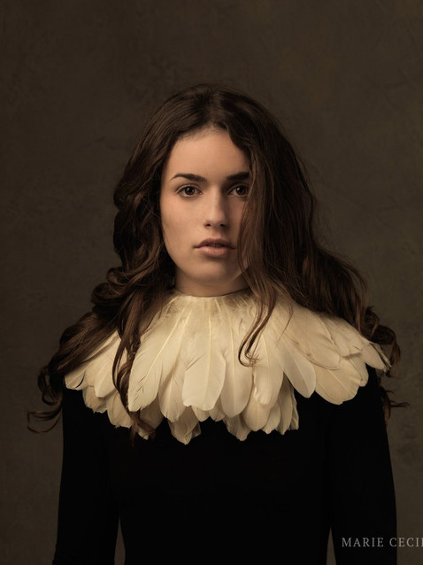 girl-with-feather-collar-full.jpg