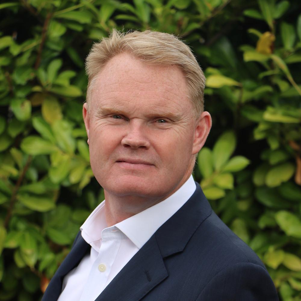 headshot of Simon Banks-Cooper