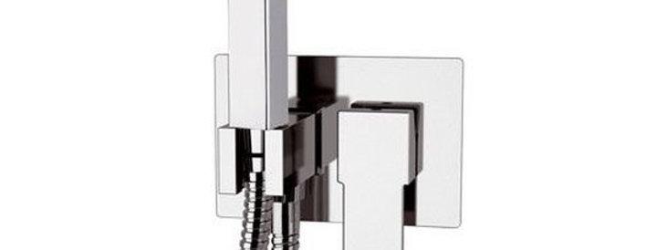 מערכת קיר עם מתיזן למקלחת  | Remer Q60