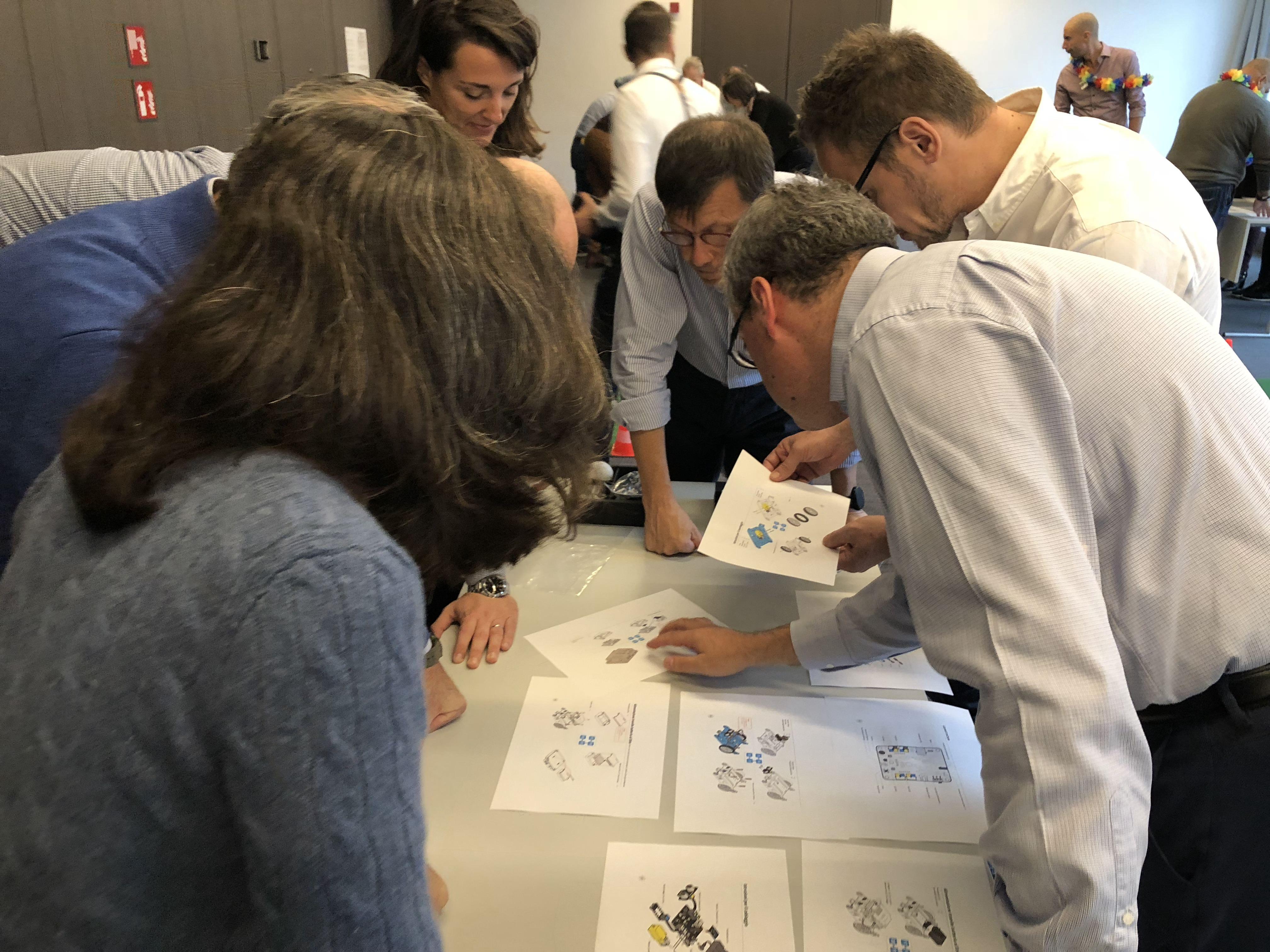 team building robot (2)