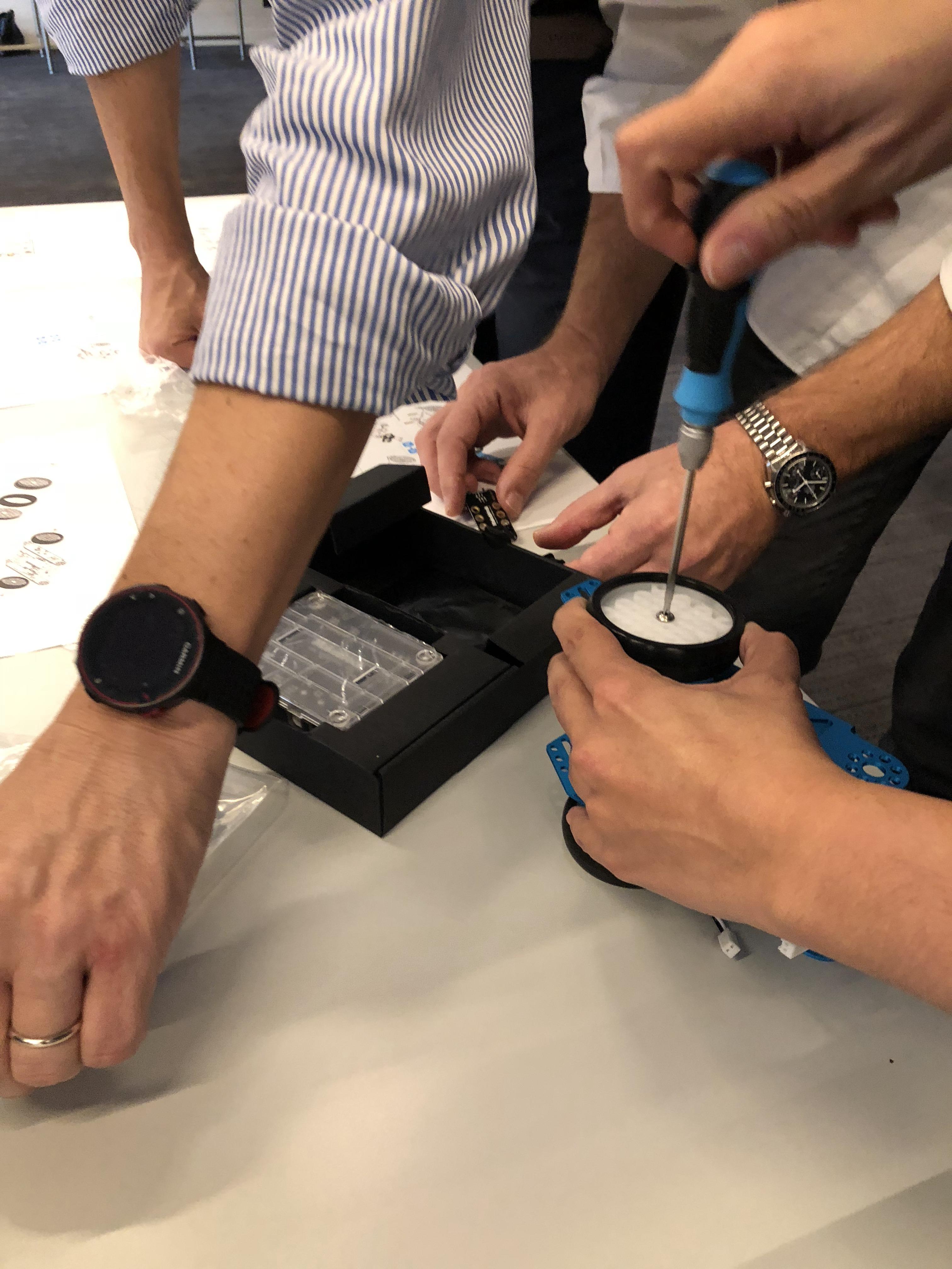 team building robot (7)