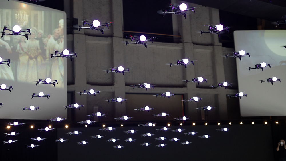 200 drones flying indoor