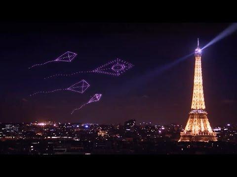 Lancôme drone light show by Dronisos