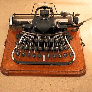 MGI%20typewriter%201_edited.jpg