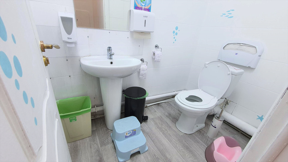 Туалет общий, ЛибертиСкул