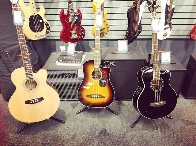 Ladies! Looking good! #guitar #guitarporn #abbotsford #abbotsforddj #longandmcquade #fraservalley #v