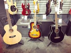 Ladies! Looking good! #guitar #guitarporn #abbotsford #abbotsforddj #longandmcquade #fraservalley #v