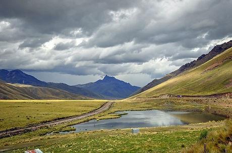 Peru-La-Raya-pass-on-Route-of-the-Sun-620x410.jpg