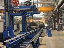 column & boom for external circumferential and longitudinal welding of tanks