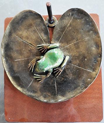 Frog on a Lily Pad Serviette Holder