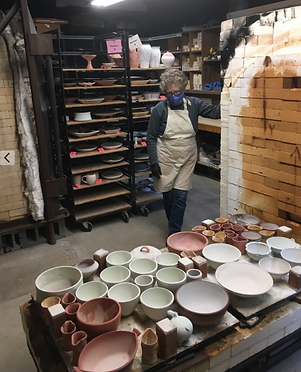 GLPG, Stacking the glaze kiln.png