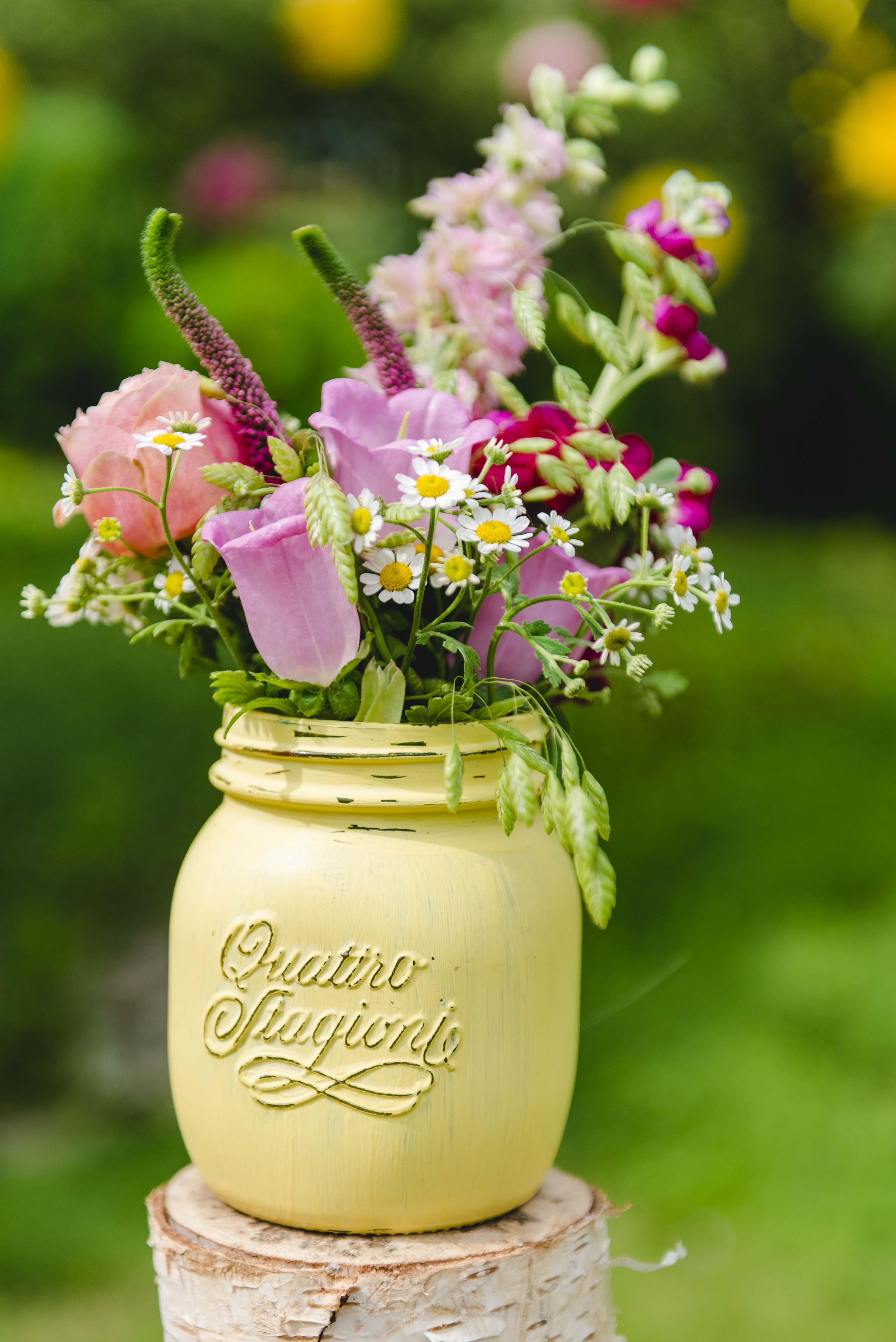 Vase gelb buttercup