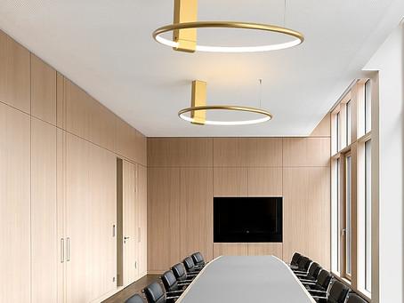 """""""Dritte"""" per illuminare la  sala riunioni"""