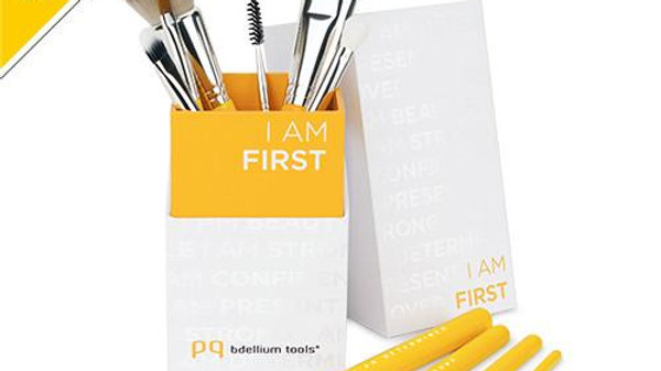 KIT PENNELLI 'I am first'