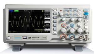 Osciloscópio com onda senoidal. Gerador de Funçoes