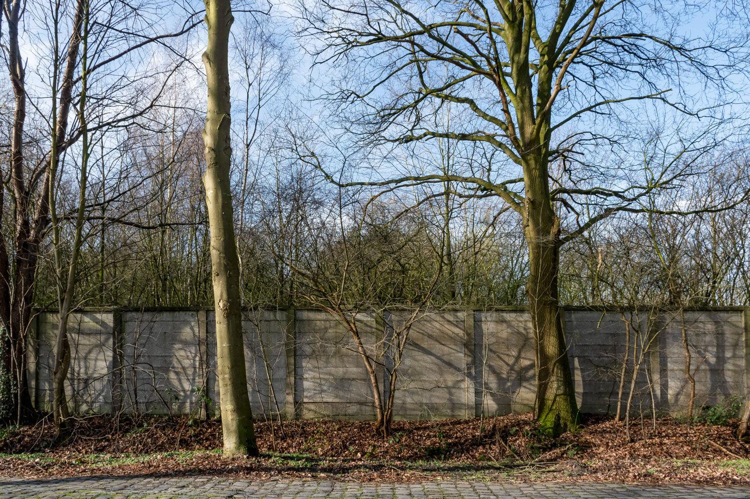 Achter de kloostermuren_01.jpg