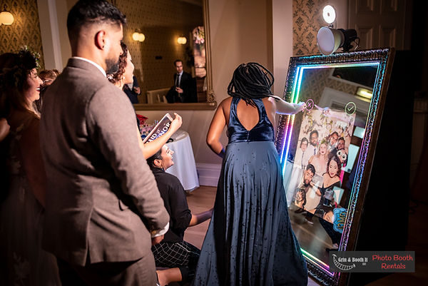 Magic Mirror Photo Booth Wedding