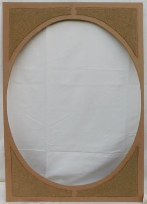 Planche de médium ajouré d'un ovale