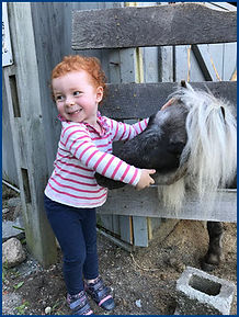 Little girl an Hugo