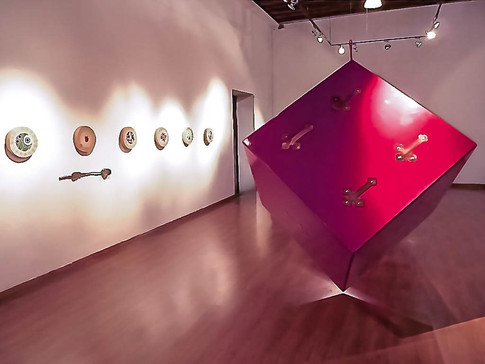 Dice, Installation shot