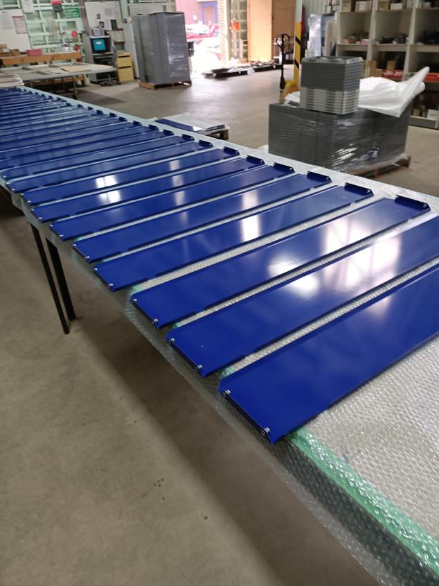 Powder coated trays - Blue